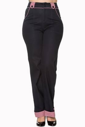 Naisten rockabilly - fiftari   pin up henkiset vaatteet b33b76a5e3
